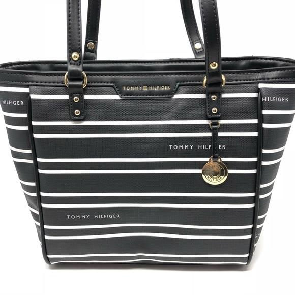 white tommy hilfiger purse
